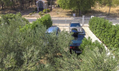 Villla_Tribunj-Garden-private_parking-surrounding_area